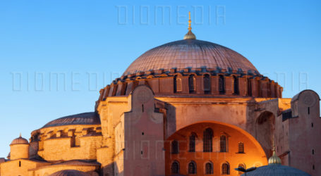 """A Palestinian Family Give Name """"Hagia Sophia"""" to Their Daughter"""