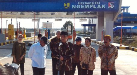 President Jokowi Wants Local Products to Dominate Business in Rest Areas