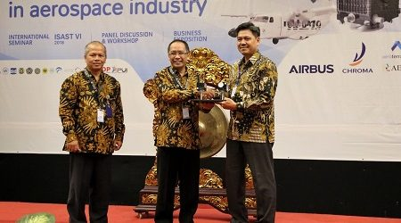 Indonesia Focuses on Developing Aircraft Industry Independently