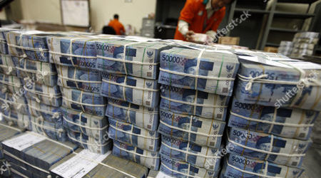 Rupiah Continues to Strengthen to Rp14,804