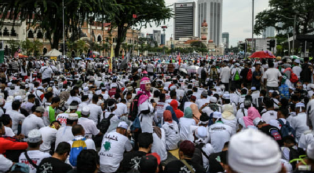 Malaysian Opposition Holds 812 Peaceful Action