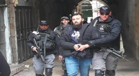 Dozens of Palestinians Arrested in Protest Closure of Al-Aqsa Gate