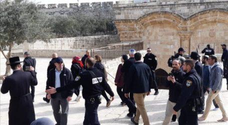 Israeli Minister of Agriculture Storms Al-Aqsa Complex