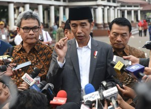 Jokowi Pushes Indonesia to Produce Own Covid-19 Vaccine
