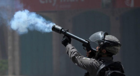 IOF Launches Teal Gas Attacks on Palestinian School in Al-Khalil