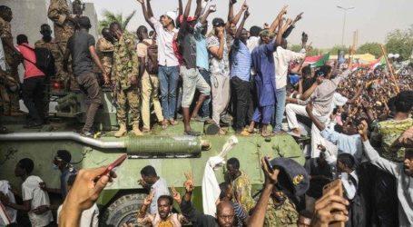 Sudan's Milotary Topples Longtime President Bashir, Announces 2-year Transitional Period