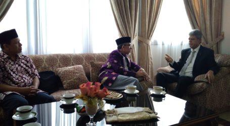 Imam Jama'ah Muslimin (Hizbullah) Visits Palestinian Ambassador in Jakarta