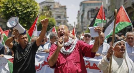 Almost All Palestinians Distrust US Economic Plan