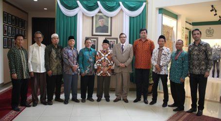 Pakistani Ambassador Appreciates Indonesian Ulema's Support for Kashmir
