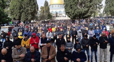 More Than 45.000 Worshipers Attend Friday Prayer at Al Aqsa Mosque