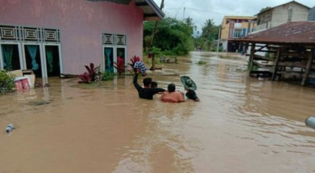 Flash Flood Soak Thousands of Houses in South Solok, West Sumatra