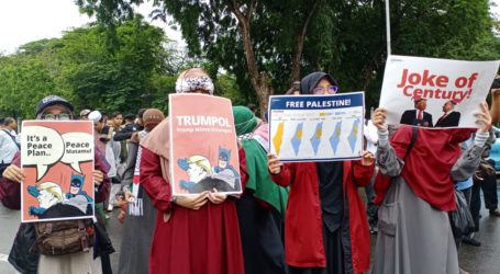 Indonesian Islamic Organizations Held Peaceful Action in front of US Embassy in Jakarta