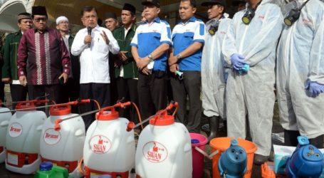 Prevent Coronavirus, Mosque Council Spray 10,000 Mosques in Indonesia