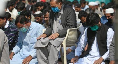 All Mosques in Pakistan Hold Congregational Prayers