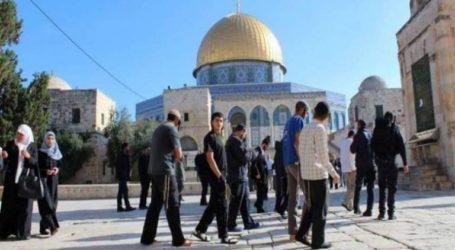 Jewish Invasion in Al-Aqsa Increases Despite Closure
