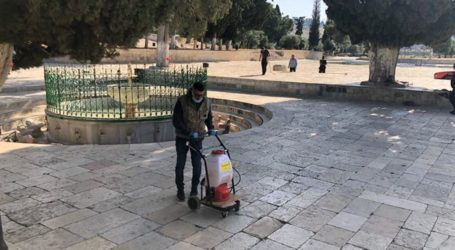 Preparation for Opening, Al-Aqsa Mosque Area Cleaned