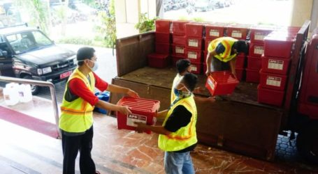 MER-C Distributes 200 PPE Packages to COVID-19 Jakarta Task Force