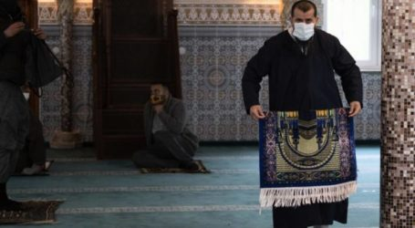 Gaza Waqaf Ministry: Mosques in Gaza Strip Opened Only for Friday Prayers
