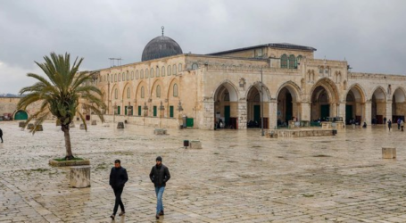 Al-Aqsa Mosque to Close for Three Weeks over Covid-19 Outbreak