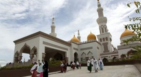 Mosques in England Hope to Continue Making Call to Prayer
