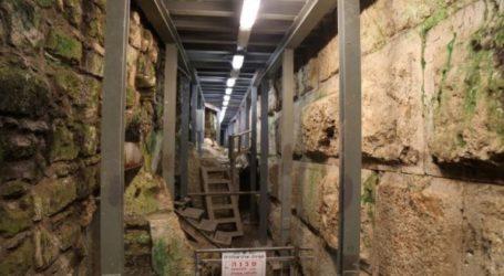 Extremist Jews Dig New Tunnel under Al-Buraq Wall