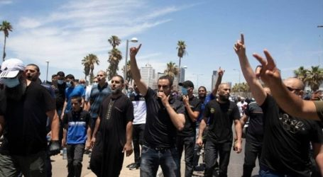 Hundreds of Palestinians Protest against Demolition of Islamic Cemetery in Yafa