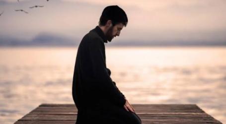 Friday Sermon: Keeping Prayer As A Pillar of Religion