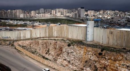 Israeli Forces Begin to Expand Illegal Settlement Roads in the West Bank