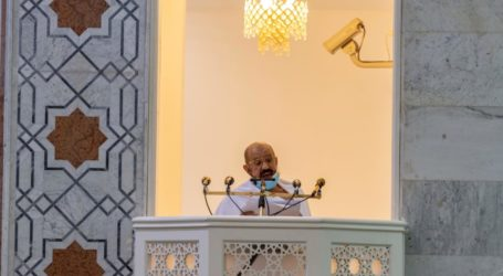 Arafat Sermon: Adversities Faced in This Life Open Various Gates to Obeying Allah