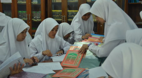 Indonesian Madrasas Apply New Curriculum for Islamic Religious Education and Arabic