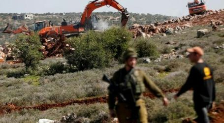Israeli Occupation Bulldozes Palestinian Agricultural Lands