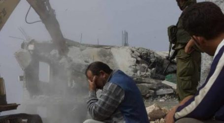 Palestinian Structures Bulldozed by Israel in south of West Bank