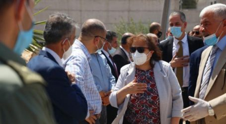 A Ministerial Delegation from Ramallah Leaves the Gaza Strip