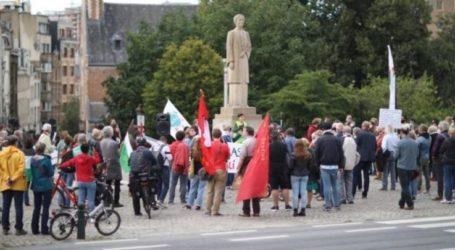 Dozens of Dutch Activists Demonstrate Demanding End of Blockade in Gaza