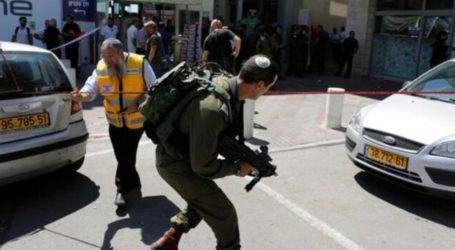 Palestinians Stab Israeli Soldiers in West Bank