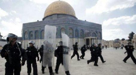 Palestinians Criticize UAE Delegation's Visit to Al-Aqsa