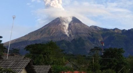 Mount Merapi Erupted, Some Residents Start To Evacuate