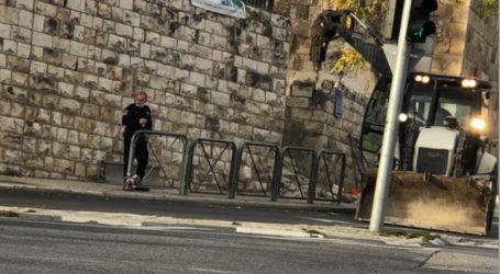 Israeli Municipality Infringes on Islamic Cemetery in Occupied Jerusalem