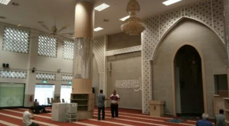 Singapore Reopen Five Mosques for Friday Prayer