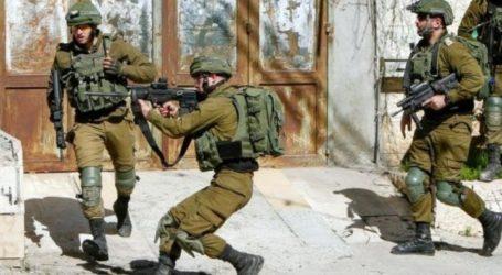 Knees of Two Palestinian Teenagers Shot by Israeli Soldiers