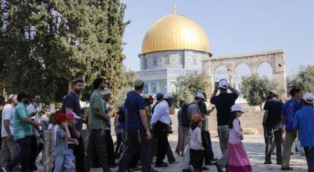 As 43 Extremist Settlers Storm Al-Aqsa