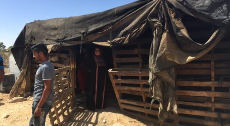 Palestinian Forced by Israeli Occupation to Remove His Tent