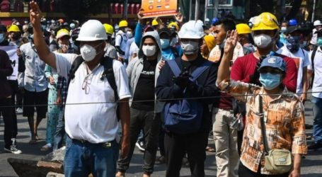 Myanmar Police Kill Two Protesters