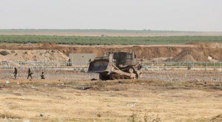 Israeli Military Vehicles Penetrate Farmers Lands in Gaza
