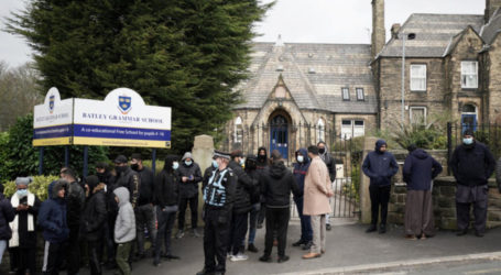 UK Muslim Leaders Urge 'Respect for Islam' after School Incident