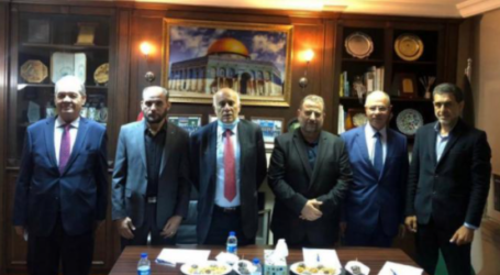 Palestinian Factions Sign Election Regulations
