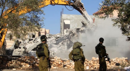 Israeli Occupation Demolish Four Palestinian Homes in Jerusalem