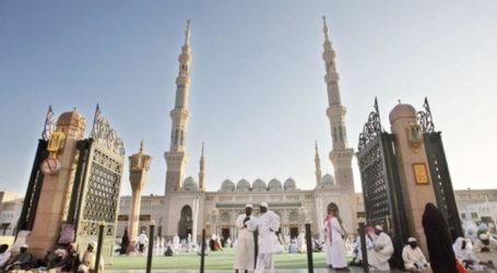 Children Not Allowed in Saudi Arabia's Prophet's Mosque During Ramadan