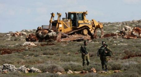 Israel Levels West Bank Land for Construction of Illegal Settlement