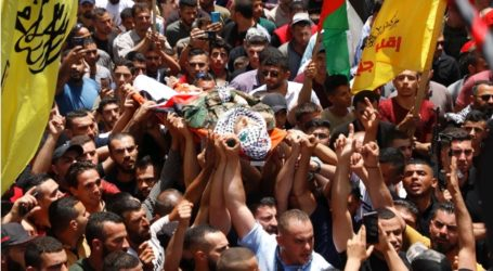 Palestinians Mourn Palestinian Officer, Murdered by Israeli Fire in Jenin